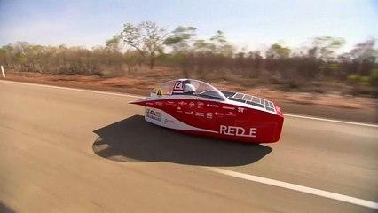 Dünya Güneş Arabaları Yarışı'nda kaza nedeniyle hız limiti uygulandı