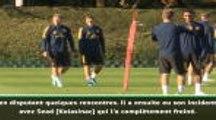 Arsenal - Emery ne ferme pas la porte à un retour d'Ozil avec les Gunners
