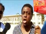 Moïse Jean-Charles devant l'Ambassade des Etats-Unis d'Amérique en Haïti