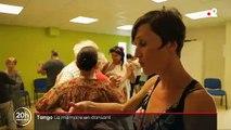 Pour tenter d'apaiser et de ralentir les effets de la maladie d'Alzheimer certains résidents d'EHPAD dansent au rythme du Tango