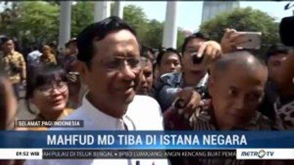 Jelang Pengumuman Menteri, Mahfud MD Tiba di Istana Negara