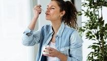 ماذا يحدث إذا تناولت كوب من الزبادي يوميّاً؟