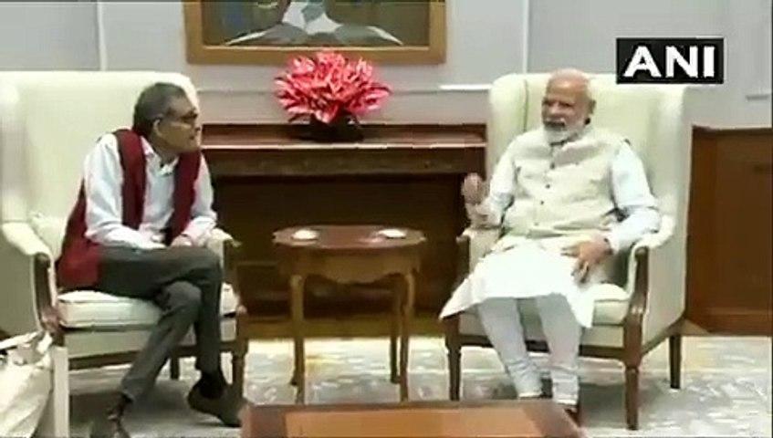 PM Narendra modi met economics nobel winner abhijit banerjee