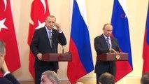 """- Cumhurbaşkanı Recep Tayyip Erdoğan: """"Bugün Putin ile tarihi bir mutabakata imza attık. Rusya ve Türkiye 10 km derinlikte ortak devriye yapacak.'"""
