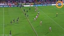 Un rugbyman se déboite le genou en plein match et se le remet en place tout seul !