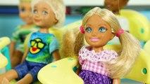 Barbie Ve Ailesi Bölüm 240 | Okula Yeni Kız Geliyor Rapunzel | Çizgi film tadında evcilik oyunları