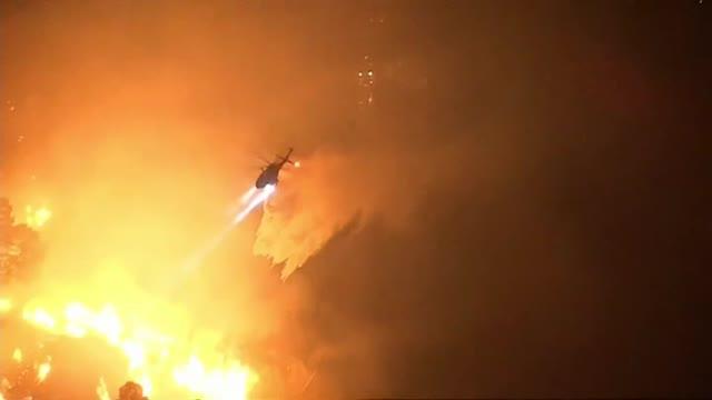 Las llamas avanzan sin control en California