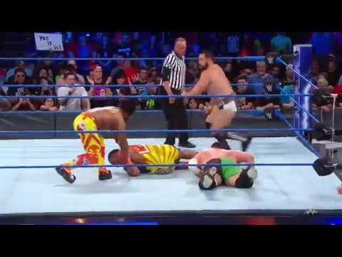 WWE SmackDown'da Erkekler Mücadelesi!