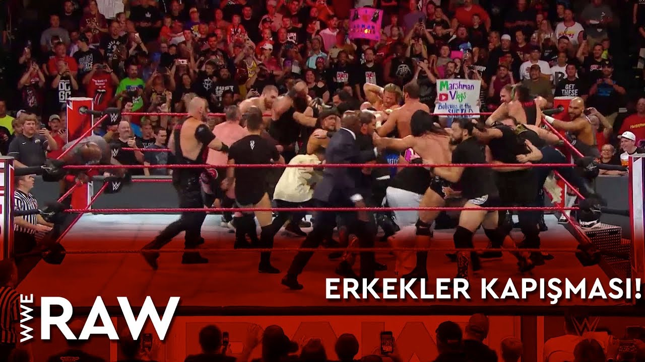 Raw'da Erkekler Kapışması!