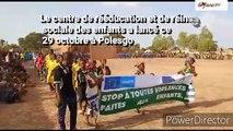 École primaire publique de Pelosgo dans l'arrondissement 4 des enfants bénéficient d'actes de naissance