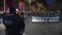 300 independentistas se concentran en contra de la visita de Sánchez