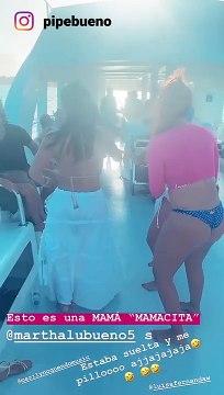 Mamá de Pipe Bueno baila en bikini en fiesta del cumpleaños del cantante
