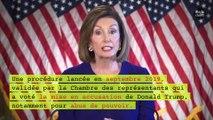 Nancy Pelosi déchire le discours de Donald Trump