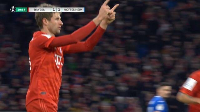 Coupe d'Allemagne - Le but en pleine course de Müller !