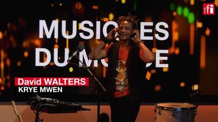 """Davis Walters interprète """"Kryé Mwen"""""""