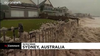 Heavy rains to continue to lash eastern Australia as thousands left without power