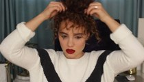 تسريحات شعر كيرلي سهلة مستوحاة  من أشهر مدوّنات الجمال
