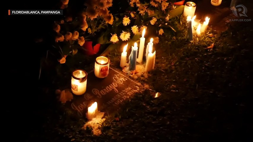 Undas 2019: Bathed in candlelight