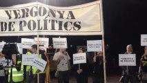 CDR piden unidad independentista ante un mitin de JxCat en la cárcel de Lledoners (Barcelona)