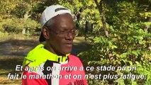 """""""Une promenade"""": un marathonien vante les bienfaits de la course pieds nus"""