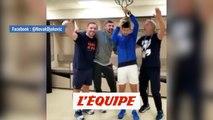 Quand Novak Djokovic fête son titre dans le vestiaire - Tennis - WTF