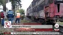 En Morelia, tren que transportaba vehículos se incendia