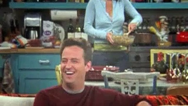 Friends S10E08 The One With the Late Thanksgiving