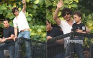 Shahrukh khan with Abram greets his fans outside Mannat on his birthday