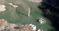 Su seviyesi düştü, baraj altındaki köy gün yüzüne çıktı