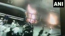 వీడియో వైరల్: ఢిల్లీలో మహిళా డీసీపీపై దాడి చేసిన లాయర్లు