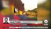 Con quema de vehículos, hombres bloquean carretera Acapulco-Zihuatanejo