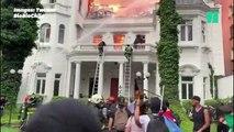 À Santiago, une université incendiée en marge d'une manifestation massive