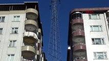 Rize iki bina arasındaki yüksek gerilim hattı korkutuyor
