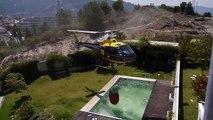Les impressionnantes images d'un hélicoptère qui remplit sa cuve dans une piscine