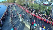 """Kadıköy'de 6.5 kilometrelik 'ata'ya saygı zinciri"""" oluşturuldu"""