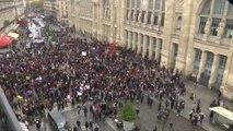 Marche contre l'islamophobie: les images des premiers rassemblements devant la gare du Nord à Paris