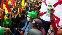 Politische Krise in Bolivien: Präsident kündigt Neuwahlen an