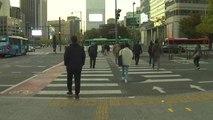 [날씨] 출근길 쌀쌀, 곳곳 비...낮부터 개고 공기 깨끗 / YTN