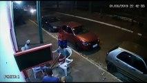 Un homme percuté par une roue de voiture