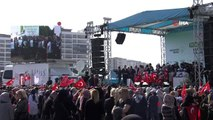 Bakan Çavuşoğlu Antalya'da 'Geleceğe Nefes' için ağaç dikti