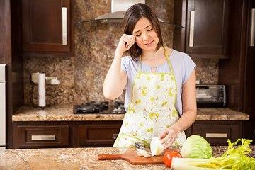 ¿Cómo cortar cebolla sin llorar?