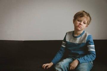 Être l'enfant le moins aimé de ses parents : quels effets ?