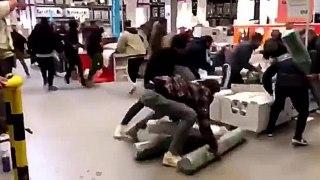 Des émeutes chez IKEA pour une nouvelle collection
