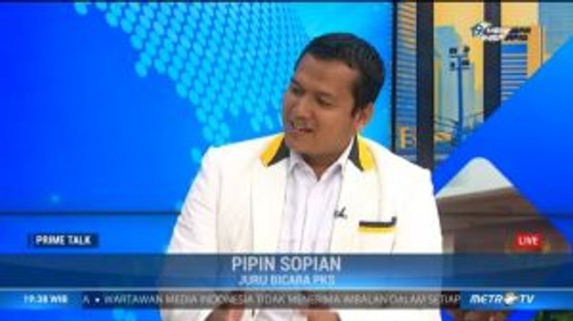 Pelukan Erat Jokowi-Surya Paloh (3)