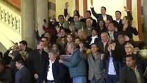 "Añez se proclama presidenta interina de Bolivia, Morales denuncia ""golpe artero"""