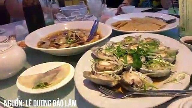 Nghệ sĩ Hoài Linh đi nước ngoài ăn cái gì?
