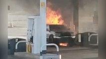 Espectacular incendio en una gasolinera