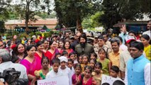 Yash did a very sweet thing on this children's day | Oneindia Kannada