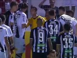 Бразильский голкипер отразил мяч с помощью сетки Видео - Чемпионат