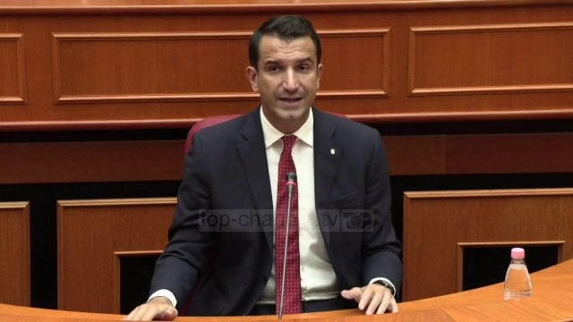 Lëvizja VV dënoi dhunën në Astir, Bashkia e Tiranës: S'është votuar të bëjë djalin e Fahriut